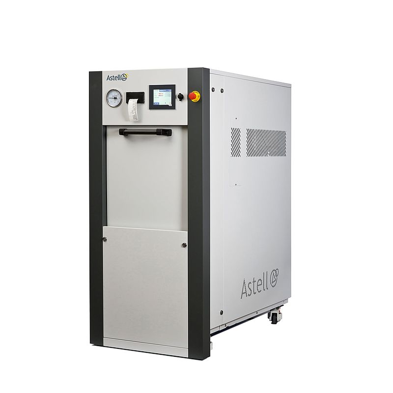 Integral sliding door autoclave