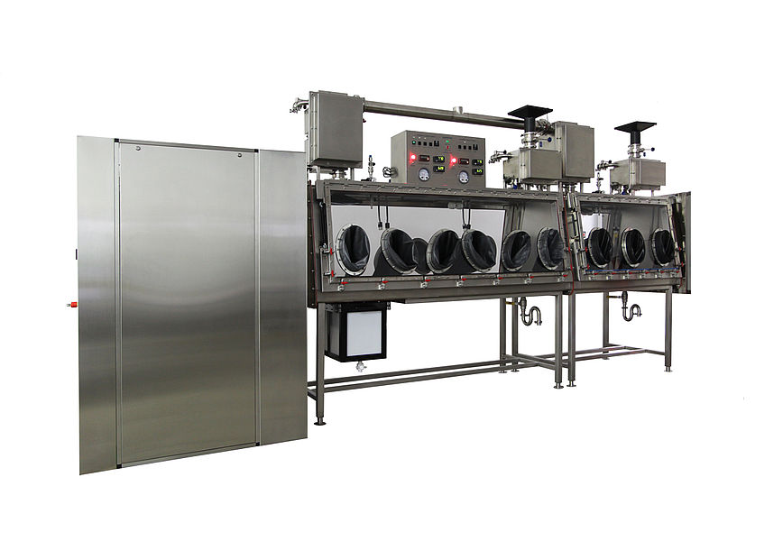 PASS-THROUGH AUTOCLAVE WITH GLOVE BOX
